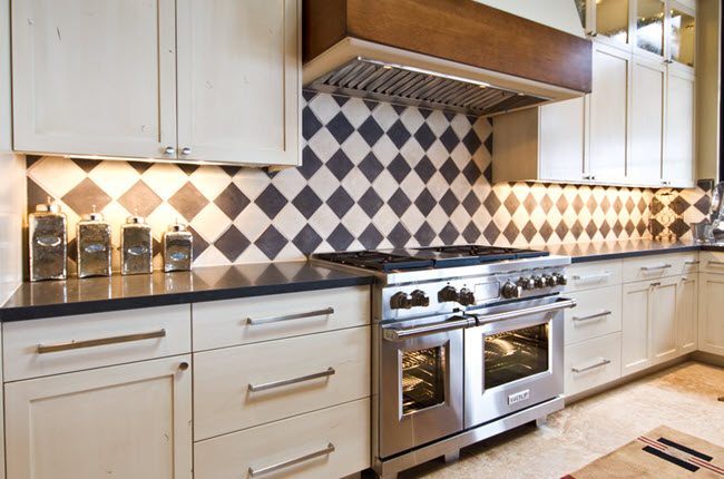 Black-White-Backsplash
