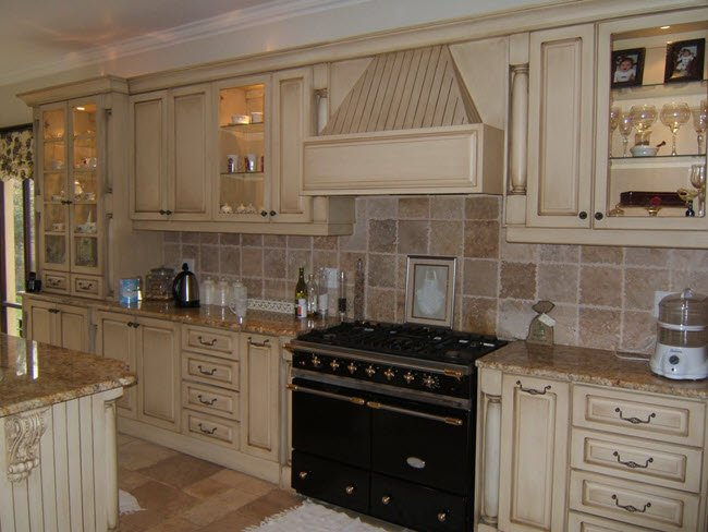 Large-Tile-BackSplash
