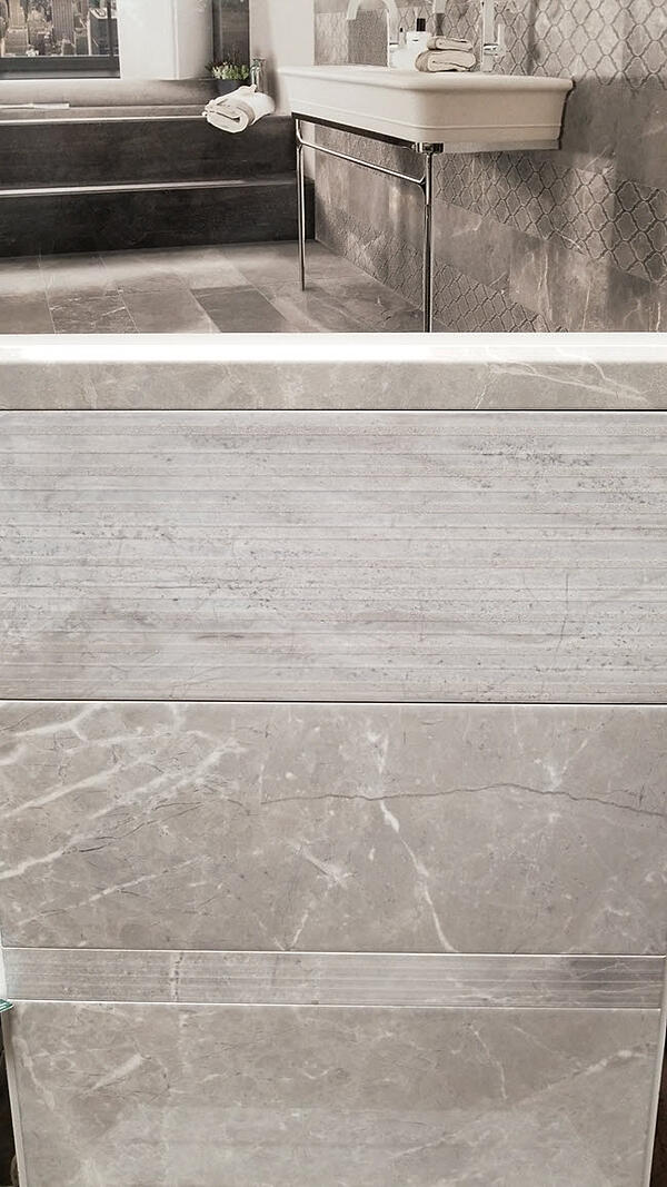 Look at the fabulous marble-like details