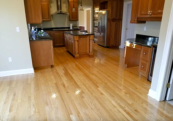 Red Oak Select RefinishRed Oak Select Refinish that has been sanded and finished in a natural high gloss.