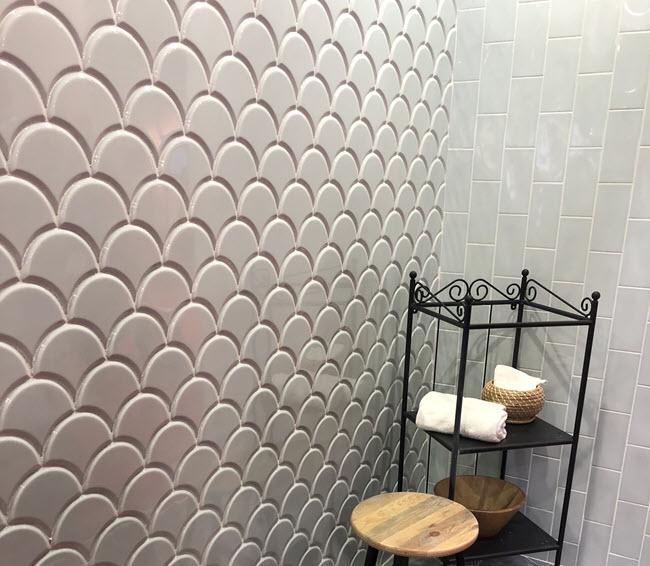 Fishtail-tile
